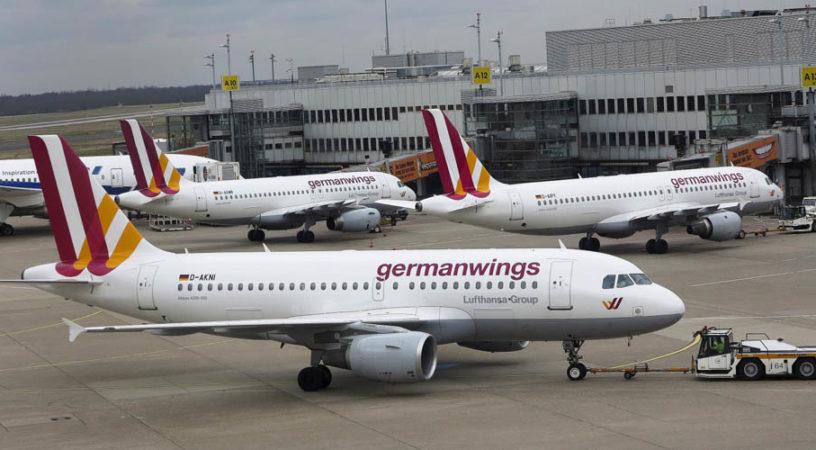 Авиалайнер Germanwings экстренно прервал полет из-за запаха гари