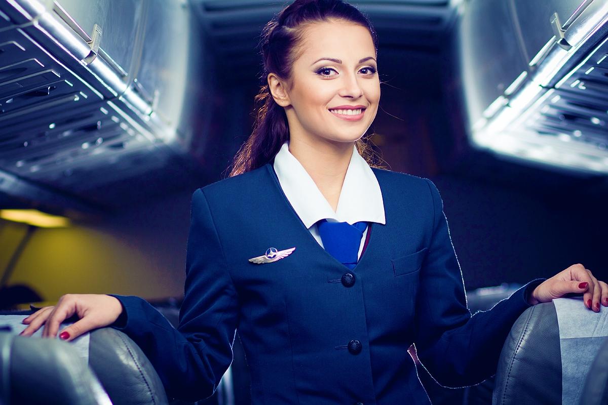 Пассажиров беспокоит лишний вес бортпроводников